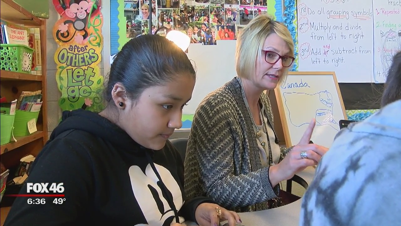 Teachers Getting Results: Amy Simmons instructs students